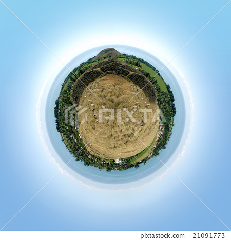 Spherical panorama with mountains and lake 21091773