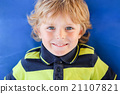 Portrait of little boy with blond hairs 21107821