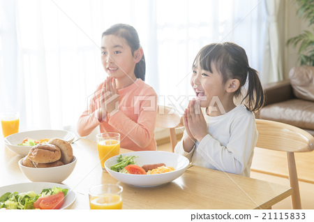 가족 식사 21115833