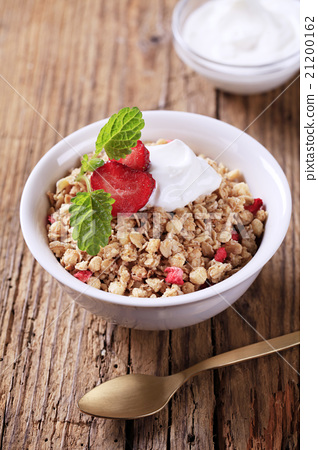 Breakfast cereal with sour cream 21200162