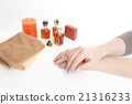 Female hands after manicure 21316233