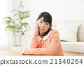 憂鬱的中年婦女 21340264