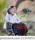 輪椅 老人 情侶 21344055