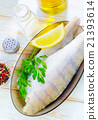 raw fish 21393614