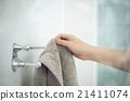 浴巾 拿 拍 21411074
