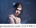 Fashion portrait of the beautiful woman 21574821