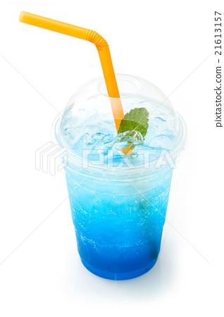 Blue italian soda  in takeaway cup  21613157