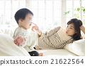 床 親子 父母和小孩 21622564