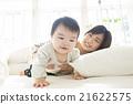 床 親子 父母和小孩 21622575