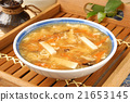 Hot and  sour soup 21653145