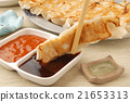 Delicious Chinese food - fried dumplings      21653313