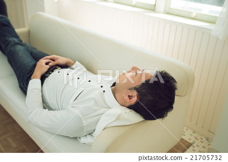 A sleeping man 21705732