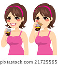 Woman Drinking Cola 21725595