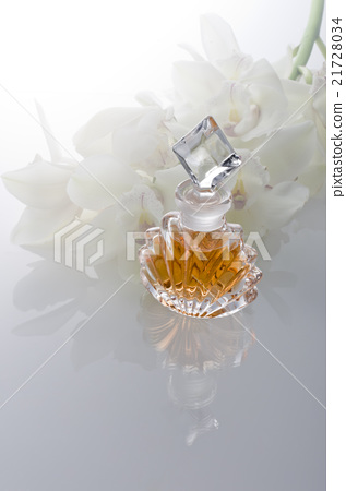 perfume 21728034