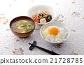 加入生雞蛋的米飯 開水焯過的食物 燉 21728785