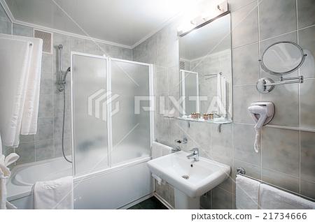 Interior of a modern hotel bathroom. 21734666