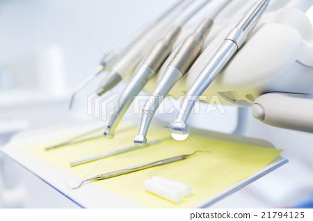close up of dental instruments 21794125