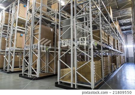 Warehouse interior view 21809550