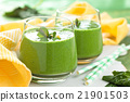 Spinach smoothie  with mint. 21901503