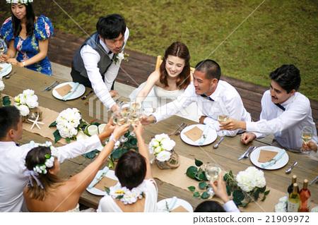 情侶 新婚 夫婦 21909972