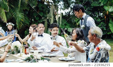情侣 新婚 夫妇 21936255