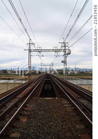 过河的铁路 21953456