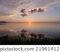 Evening scenery of Lake Saroma 21961412