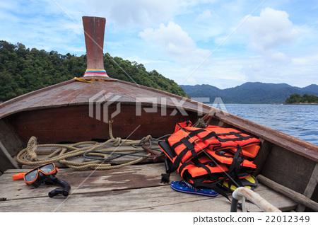 orange snorkel scuba mask and life jackets 22012349