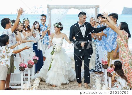 一對著名的新婚夫婦 22019793