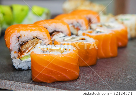 Sushi roll with salmon and shrimp  22124371
