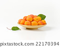 apricots, fruit, fresh 22170394