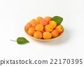 apricots, fruit, fresh 22170395