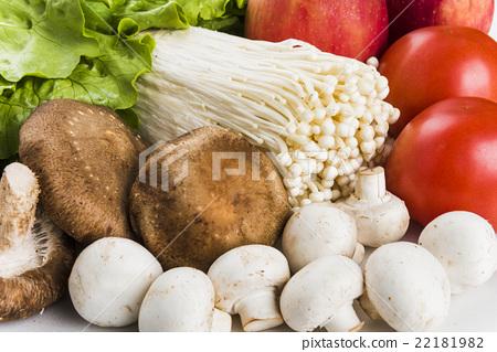 蔬菜水果在白色的背景上 22181982