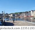 法国港口镇在地板上 22351193