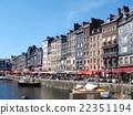 法國港口鎮在地板上 22351194