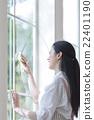 抹窗口的日本妇女 22401190