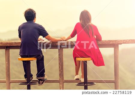 Happy young romantic couple 22758119