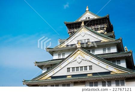 Osaka castle under blue sky in Japan 22767121