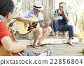 男人 吉他 朋友 22856864