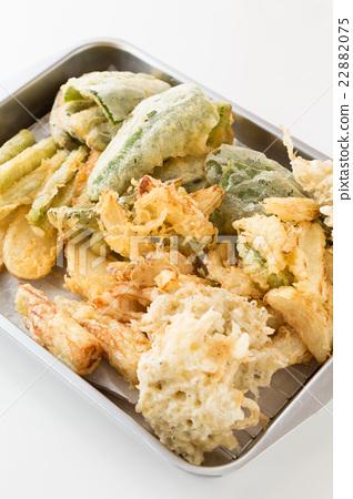 A lot of vegetable tempura white back 22882075