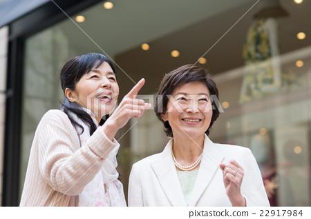 active seniors, female, females 22917984