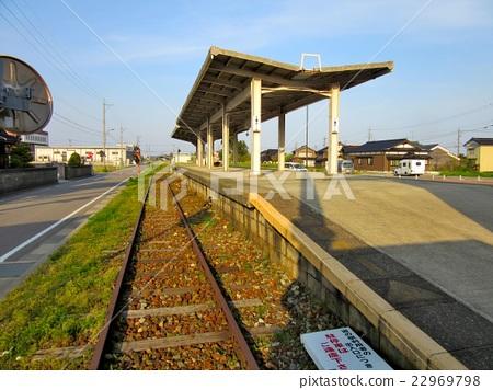 能登半島·成為廢線的能登線路站的鈴鹿站·鈴鹿(3) 22969798