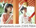 父母和小孩 參拜神社 京都 23057664