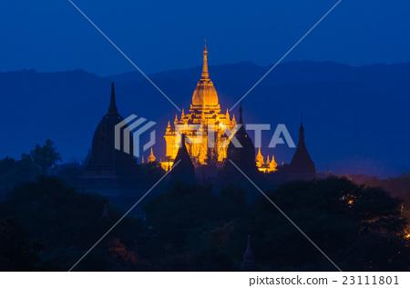 Ancient Htilo MinloPagoda at twilight, Bagan 23111801