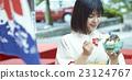 親子 父母和小孩 糖果店 23124767
