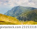 高山的 山丘 牧場 23153316