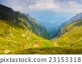 高山的 山丘 牧場 23153318