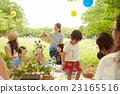 妈妈朋友享受野餐 23165516