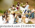 妈妈朋友享受野餐 23165678