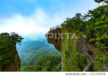 Superb viewing saw mountain 23170039